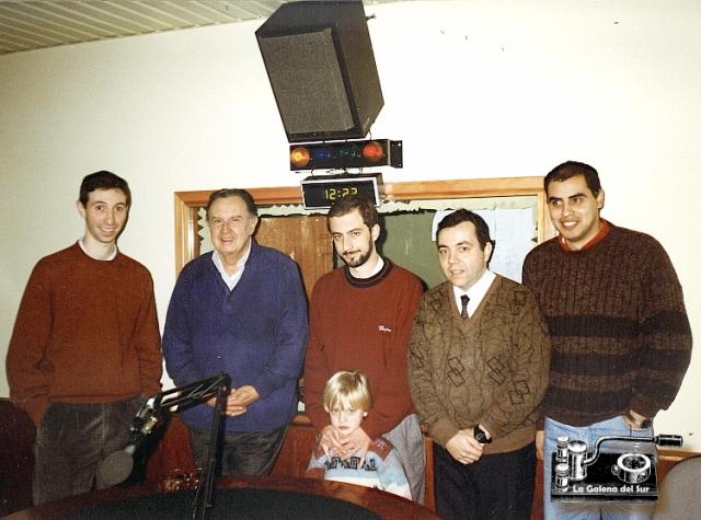 """Pudimos estrecharle la mano personalmente en ocasión de una visita que hizo en 1996 a los estudios del SODRE, radiodifusión Nacional, donde fue entrevistado para el programa """"Radioactividades""""."""