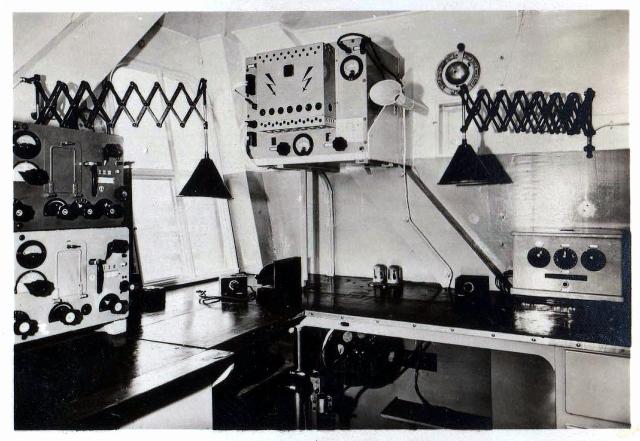 La estación de radio abordo tenía el indicativo de cinco letras DENNE (¹)