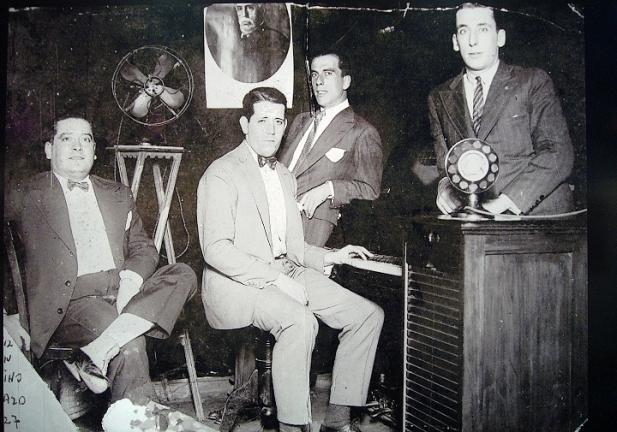 1927_eldia_troupe