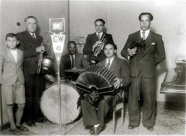 Conjunto típico en la radio_Década de 1930