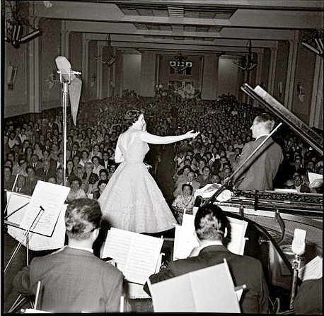 Libertad Lamarque_fonoplatea_Radio Carve_Senda de estrellas_1956